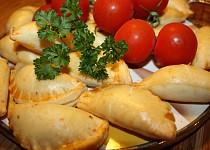 Slané tvarohové pečivo s uzeným masem