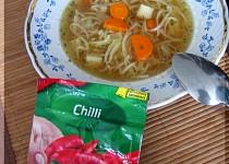 Slepičí polévka s chilli