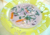 Vločková polévka s houbami