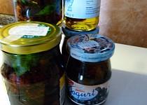 Konzervovaná sušená cherry rajčátka s bílou paprikou v oleji
