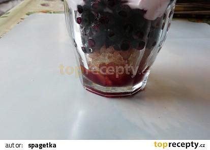 Ledový borůvkový čaj
