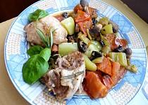 Pikantní kuřecí na hořčici s paprikou a rajským
