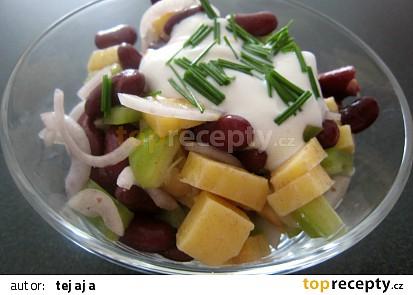 Syrový salát s fazolkama