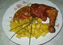 Uzené kuřecí stehno s česnekem a paprikou