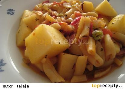 Dušené brambory s fazolkama