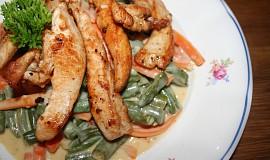 Gyros kuřecí proužky na smetanové zelenině
