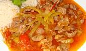 Kuřecí žaludky na zelenině