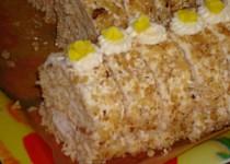 Ořechová roláda s ananasem