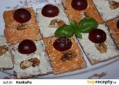 Pomazánka z Nivy s ořechy