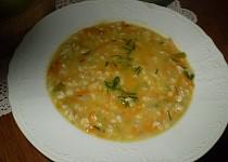 Strouhaná mrkvičková polévka se zázvorem