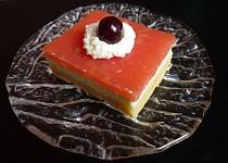 Tvarohový koláč s jablkovým pudingem
