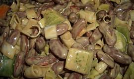 Fazolový salát s feferonkou
