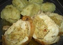 Kuřecí roláda s mandlovou nádivkou