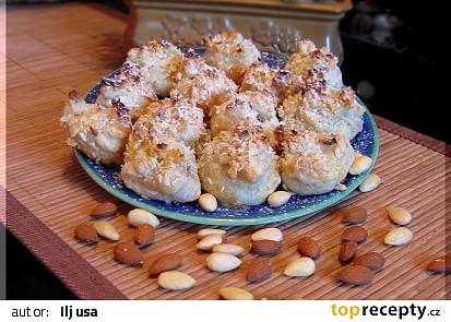 Marcipánové brambůrky z listového těsta