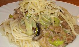 Špagety s drůbežím masem