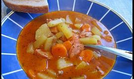 Gulášová polévka z pytlíku