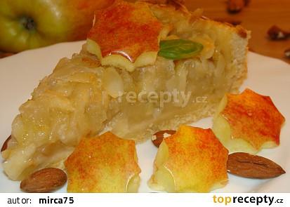 Medový koláč s jablky
