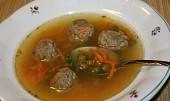 Moje rychlá polévka s játrovými knedlíčky