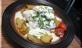 Pečené brambory se sýrovou omáčkou