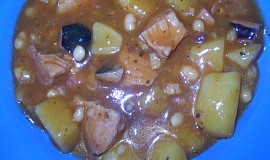 Fazolový guláš s bramborem