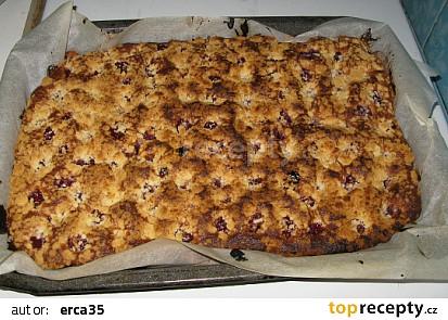 koláč vcelku (po vytažení z trouby)