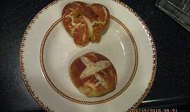 Bavorské preclíky z domácí pekárny