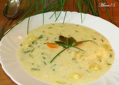 Šnytlíková (pažitková) polévka