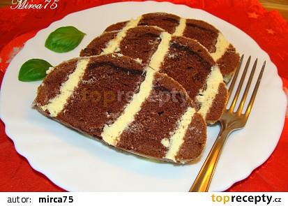 Bílkový chlebíček kakaový s tvarohovým krémem