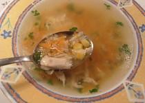 Kuřecí polévka s kukuřicí a nivou