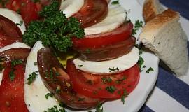 Mozzarella salát