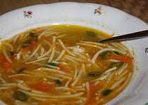 Rychlá falešná slepičí polévka z mrkve