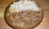 Vepřové maso na houbách v jednom hrnci