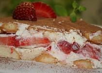Piškotovo-jahodový dort s tvarohem