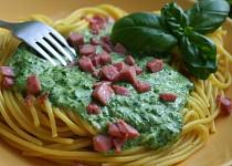 Špagety se špenátovou omáčkou