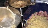 Halušky s uzeným masem a kysaným zelím