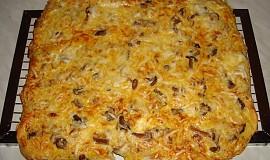 Houbová pizza