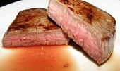 Hovězí steak s rozmarýnem a grilovanými brambory