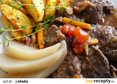 Srnčí maso po zámecku