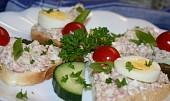 Salámová pomazánka s vajíčkem