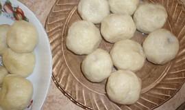 Švestkové knedlíky (z tvaroho-brambor.těsta)