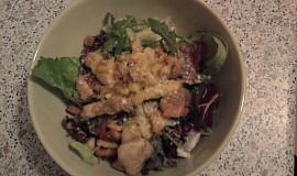 Caesar salát s kuřecím masem a parmskou šunkou