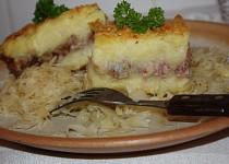 Mleté maso pod bramborovou kaší