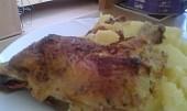 Kuřecí stehna s mandlovou nádivkou a smetanové těstoviny