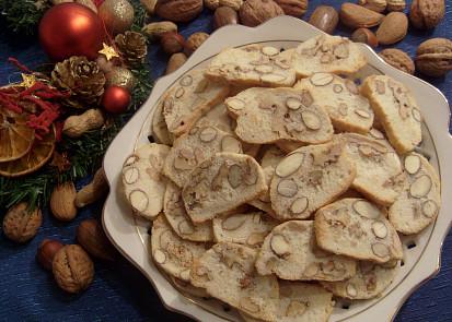 100 g mandlí+70 g vlašské ořechy
