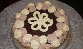 Ořechový dort s pudinkovým krémem