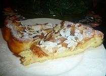 Tvarohový koláč s jablky a skořicovou vůní