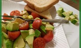 Avokádovo-rajčatový salát