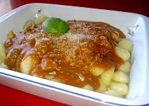 Paprikovo-rajčatová omáčka se sójovými kostkami