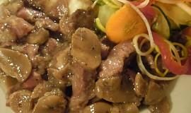 Korzické maso s těstovinami
