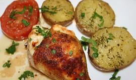 Kuře pečené se sýrem a novými bramborami